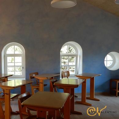 erna valentini wandgestaltung klassenzimmer blau-violett Waldorfschule Sarns